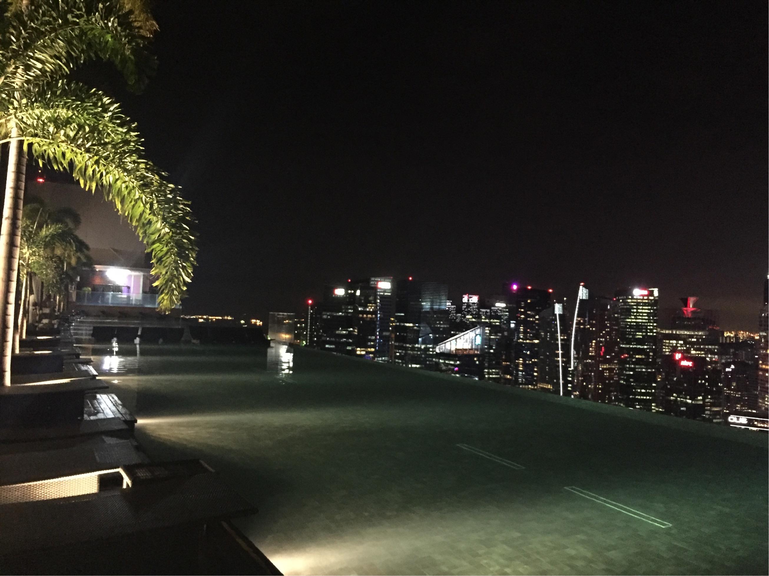 マリーナベイサンズ宿泊者限定! 屋上プールの楽しみ方【シンガポール旅行】