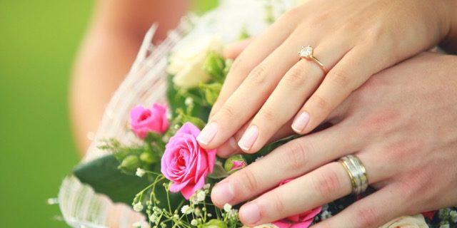 プロポーズされたら…まずは指輪の来店予約【マイナビウェディング】